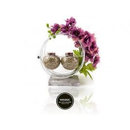 Maria Mondo Flower arrangement round lila flowers